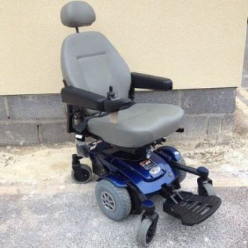 Jazy Power chair With Mid Wheel Drive